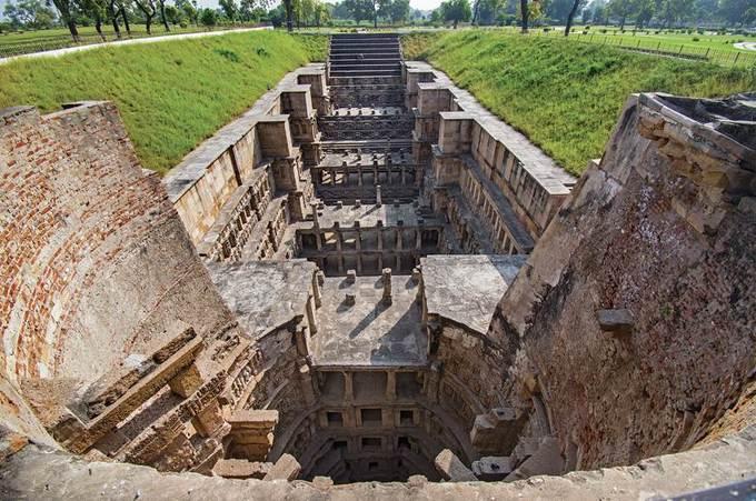 Rani Ki Vav, giếng bậc thang gần 1.000 năm tuổi – iVIVU.com