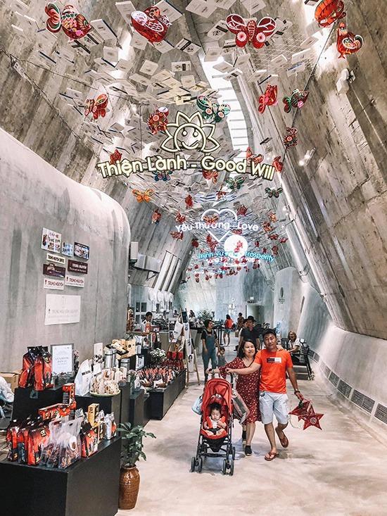 Tại sảnh chính của bảo tàng, bạn có thể mua các món quà lưu niệm như cà phê, vật dụng pha chế...