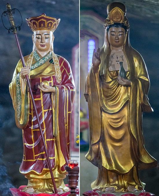 Trong chùa còn có hai pho tượng được người dân đảo Lý Sơn đang làm ăn, sinh sống tại TP HCM cúng dường, gồm tượng Bồ-tát Địa Tạng (trái) và tượng Bồ Tát Quan Thế Âm.