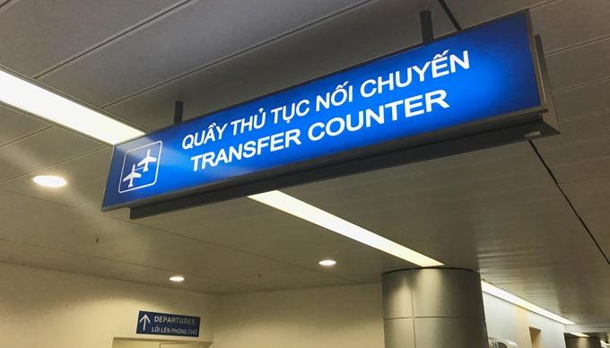 Quầy thủ tục transit ở sân bay Nội Bài