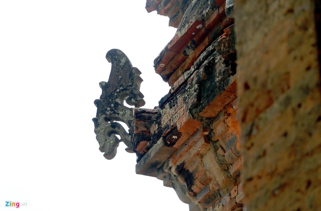 Trải qua hàng nghìn năm, một số chi tiết ở tháp Chăm cổ vẫn giữ gần như nguyên vẹn.