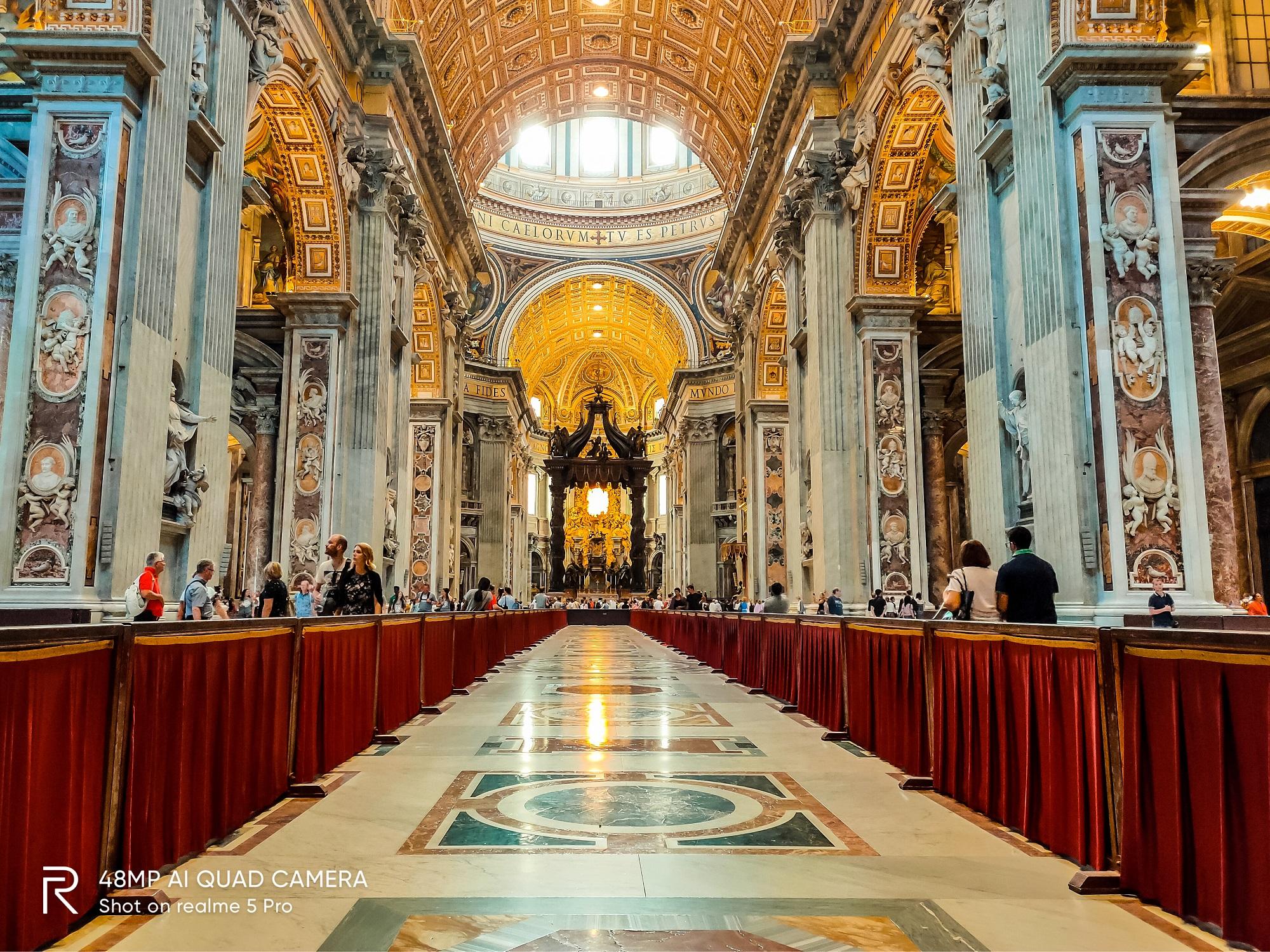 Chính điện Vatican được chụp bởi Realme 5 Pro