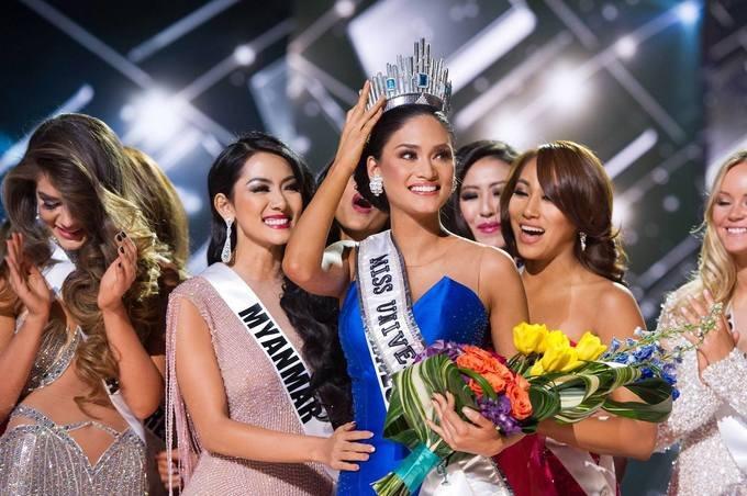 Từ năm 2013, Philippines dần chiếm lĩnh ngôi đầu ở Tứ đại Hoa hậu: Miss Universe, Miss World, Miss International và Miss Earth. Năm nay, 11 hoa hậu của đảo quốc này sẽ diễu hành cùng đoàn vận động viên các nước Đông Nam Á trong lễ khai mạc SEA Games lần thứ 30, trong đó có Pia Wurtzbach - Hoa hậu Hoàn vũ 2015 (ảnh). Ảnh: The Great Pageant Community.