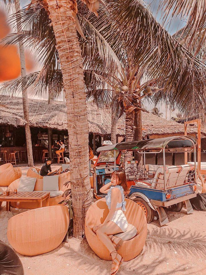 Chameleon-Beach-Bar-ivivu-3