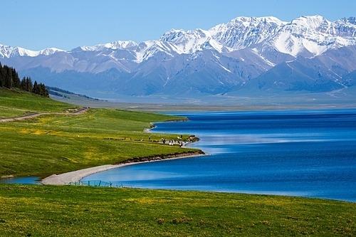Hồ nước chứa khoảng 21 tỷ mét khối nước và nơi sâu nhất lên tới 90 m. Ảnh: BBS Ivye.