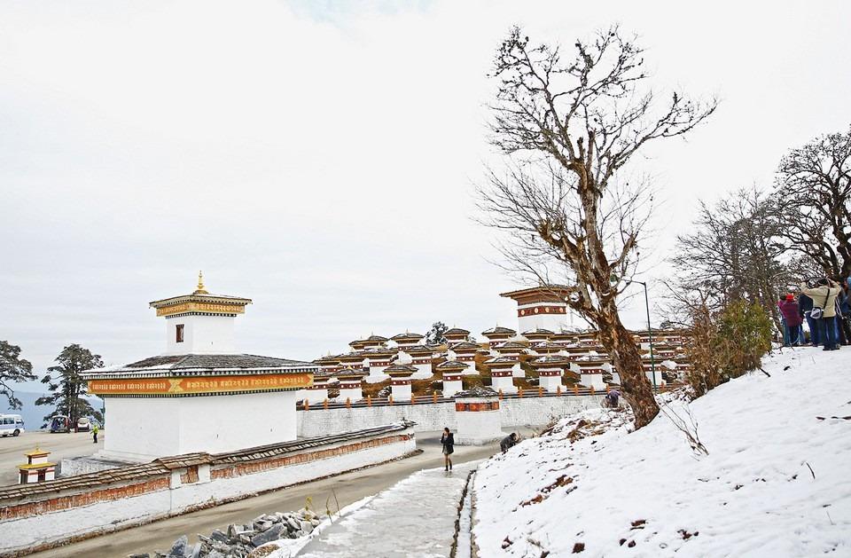 mua-tuyet-roi-tai-quoc-gia-hanh-phuc-bhutan-ivivu-13