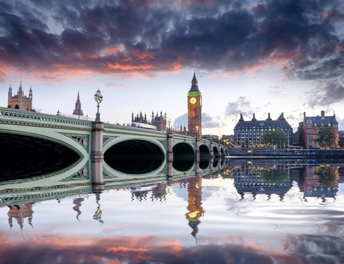 London luôn là điểm đến mơ ước của nhiều du khách châu Á. Ảnh: Envato.