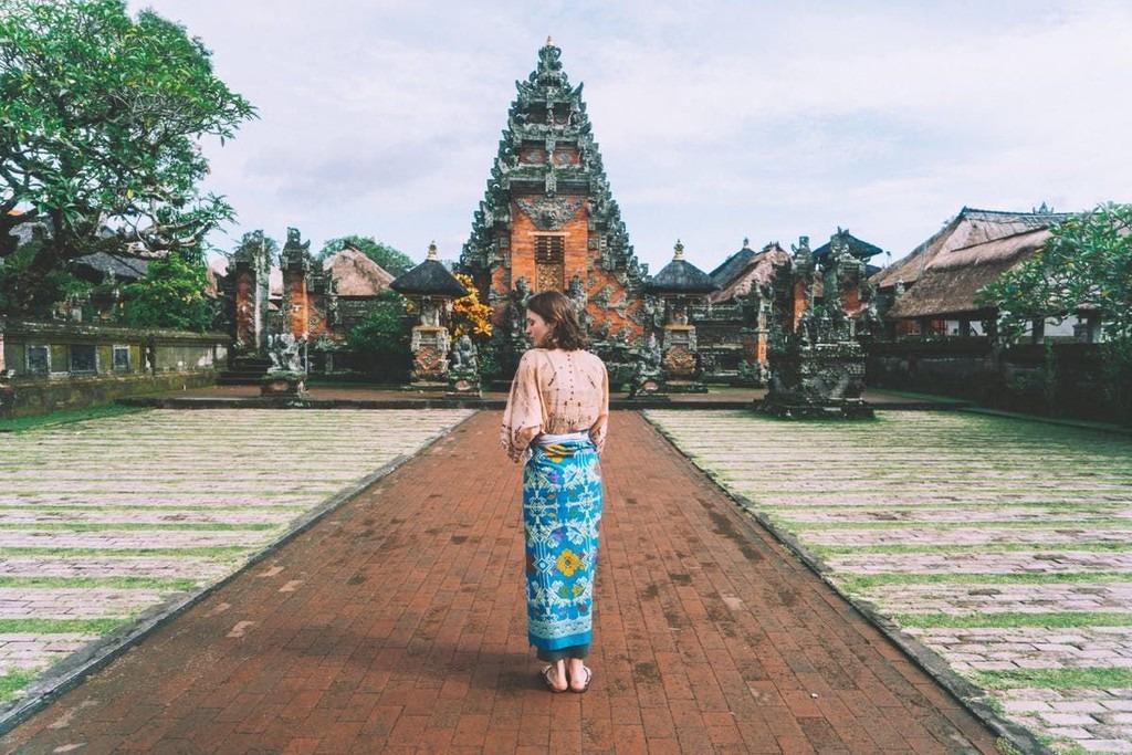 Indonesia: Đứng đầu bảng xếp hạng, Indonesia là quốc gia nhận được đánh giá cao nhất từ các độc giả của CN Traveller. Đất nước vạn đảo thu hút du khách bởi những bãi biển thơ mộng và khung cảnh thiên nhiên đẹp. Đảo Bali và quần đảo Gili là 2 điểm đến được tạp chí này giới thiệu. Trong đó, Bali là hòn đảo thiên đường, biểu tượng du lịch của Indonesia. Gili nổi tiếng với vẻ đẹp hoang sơ và yên bình. CN Traveller đánh giá địa điểm du lịch này 92,78 điểm.
