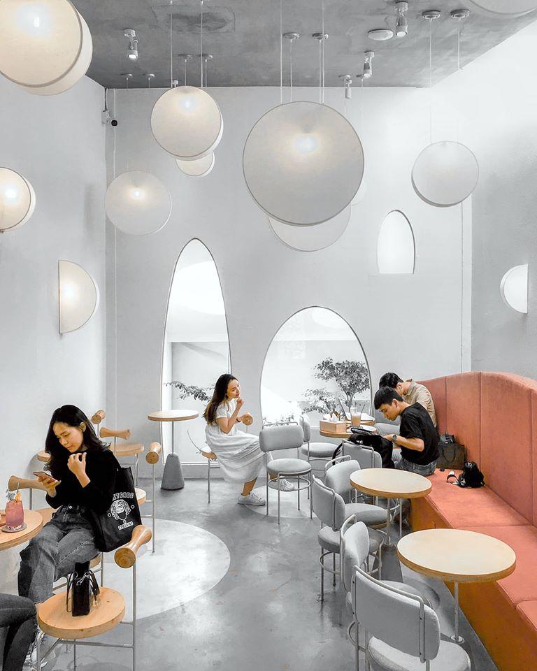 Hẹn hò ngay top 6 quán cafe Sài Gòn tone trắng dịp Tết Dương Lịch –