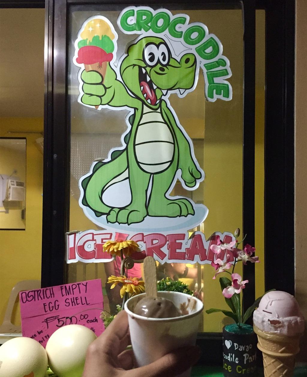 Nếu sang Philippines, du khách hãy thưởng thức những món ăn độc đáo tại đất nước này, trong đó có món kem trứng cá sấu. Kem có thành phần là trứng cá sấu, những quả trứng không nở được, không gây ảnh hưởng đến sự sinh trưởng của loài động vật hoang dã này. Ảnh: cindy_tubio.