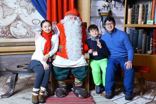 Phí chụp ảnh cùng ông già Noel và in ảnh là 65 euro.