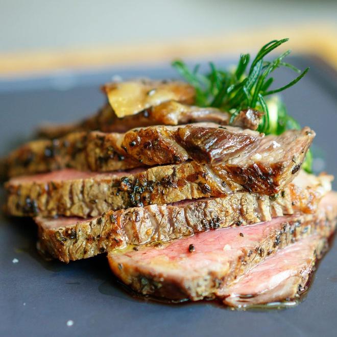 3-nha-hang-steak-nhat-dinh-phai-thu-tai-tphcm-ivivu-15