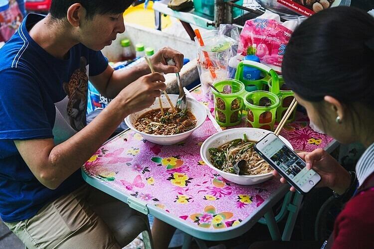 Hầu hết quán vỉa hè hay người bán rong ở Thái Lan chỉ bán một món duy nhất. Ảnh: Benjamin McMahon.
