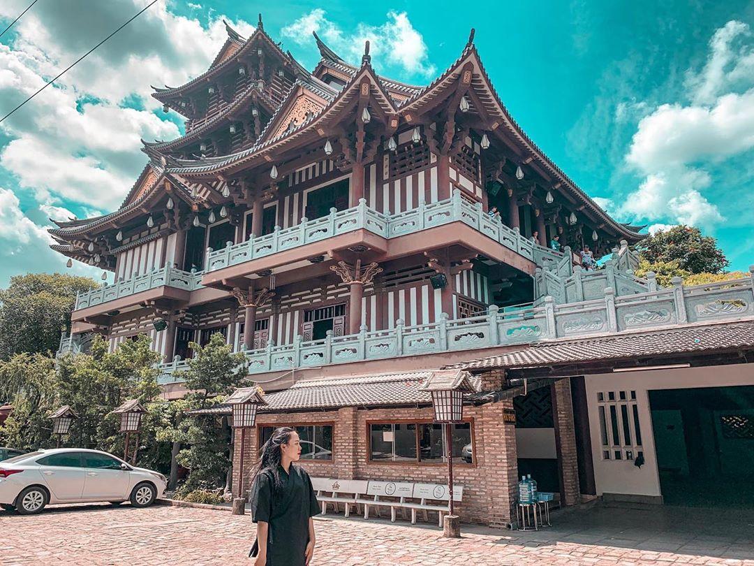 Khám phá 5 ngôi chùa đẹp gần Sài Gòn cho ngày Tết – iVIVU.com