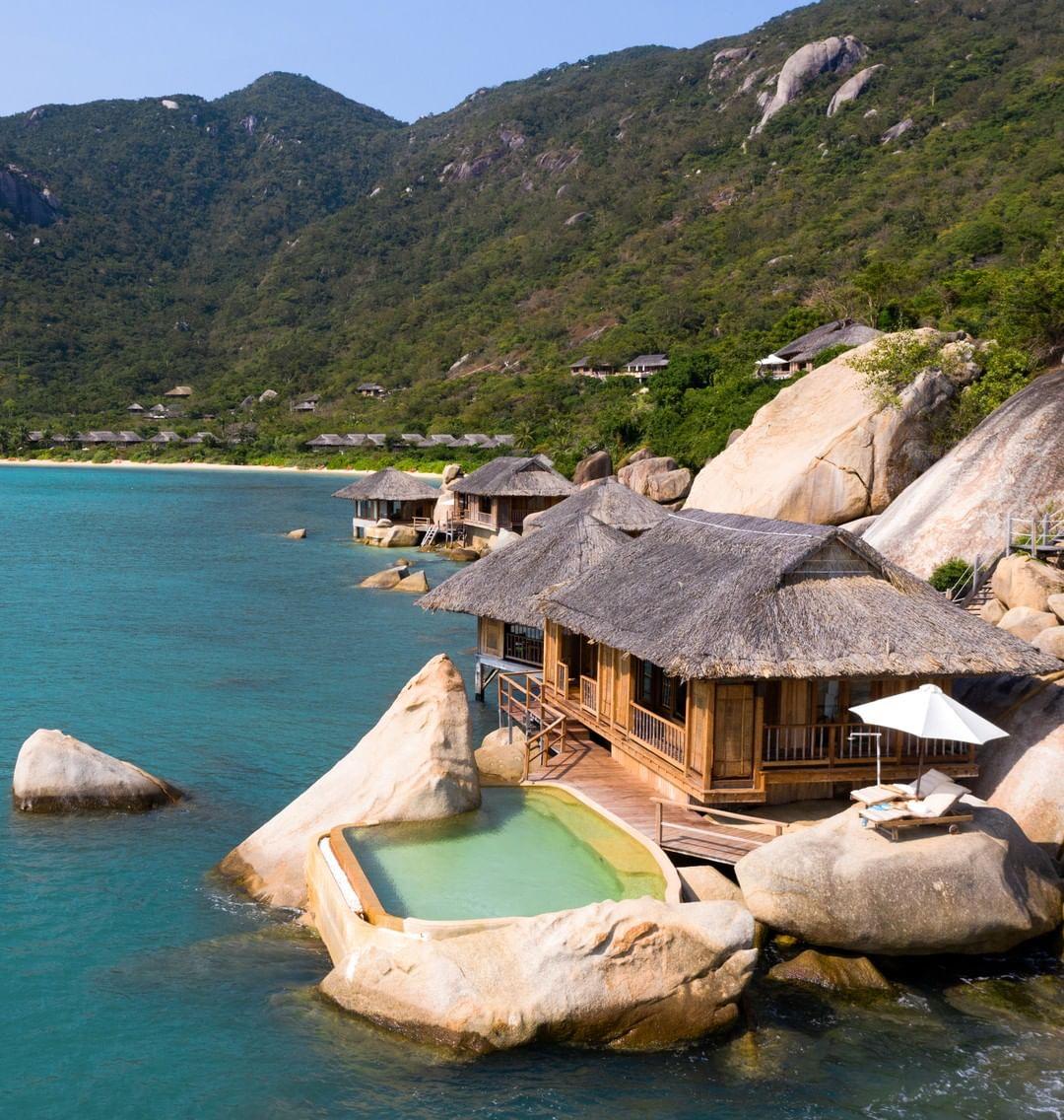 top-7-resort-nha-trang-tua-son-huong-thuy-ivivu-1