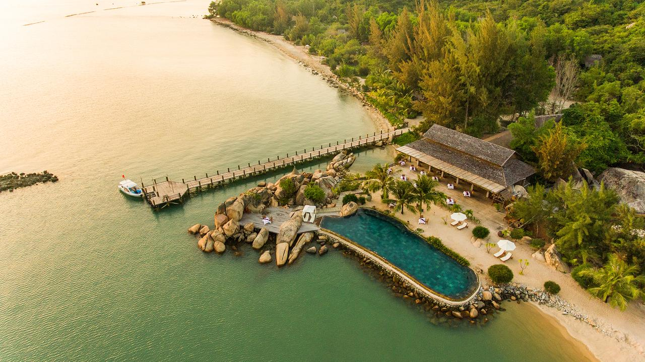 top-7-resort-nha-trang-tua-son-huong-thuy-ivivu-12