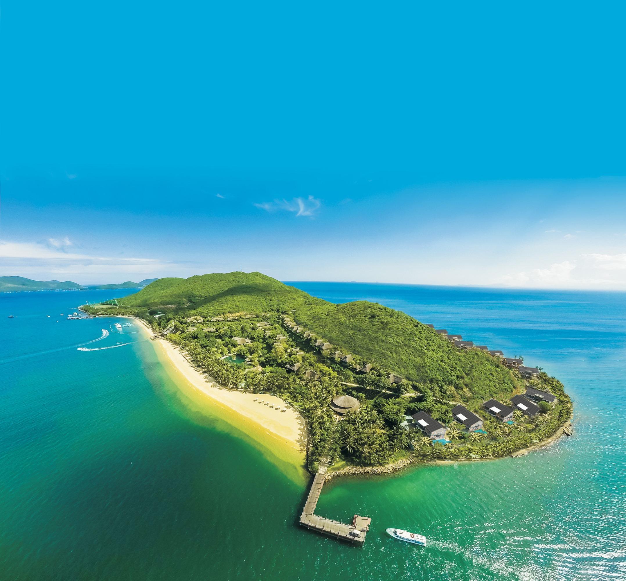 top-7-resort-nha-trang-tua-son-huong-thuy-ivivu-3