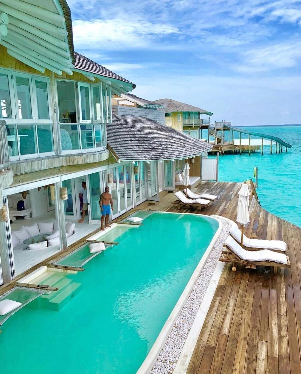 co-gi-ben-trong-khu-nghi-duong-dat-do-bac-nhat-maldives-IVIVU-6