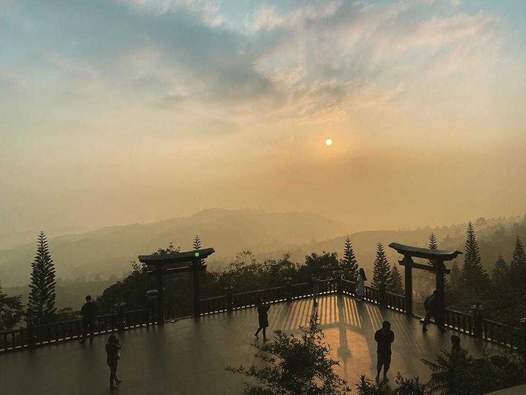 du-xuan-dau-nam-tai-nhung-ngoi-chua-dep-linh-thieng-o-da-lat-ivivu-12