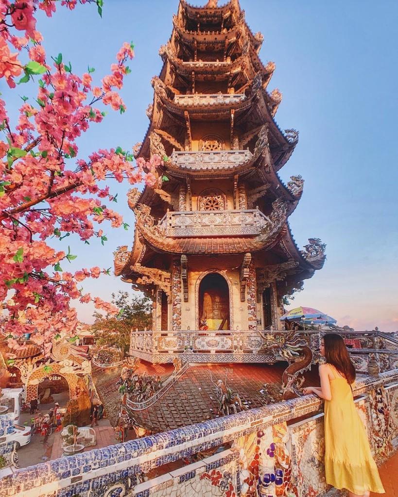 du-xuan-dau-nam-tai-nhung-ngoi-chua-dep-linh-thieng-o-da-lat-ivivu-3