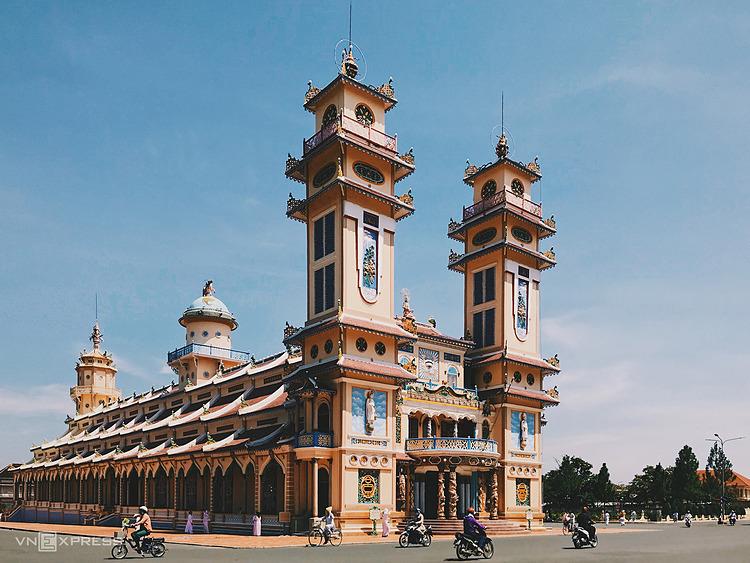 Tòa Thánh Cao Đài là công trình kiến trúc nổi tiếng Tây Ninh. Ảnh: Tâm Linh.
