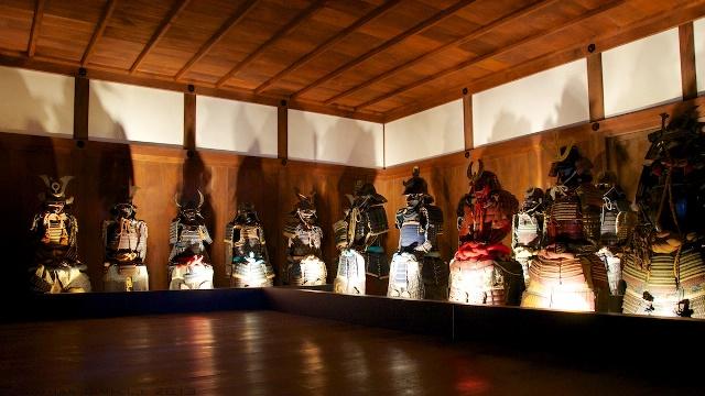 Những chiếc áo giáp của Nhật Bản được trưng bày tại lâu đài Hemeji.