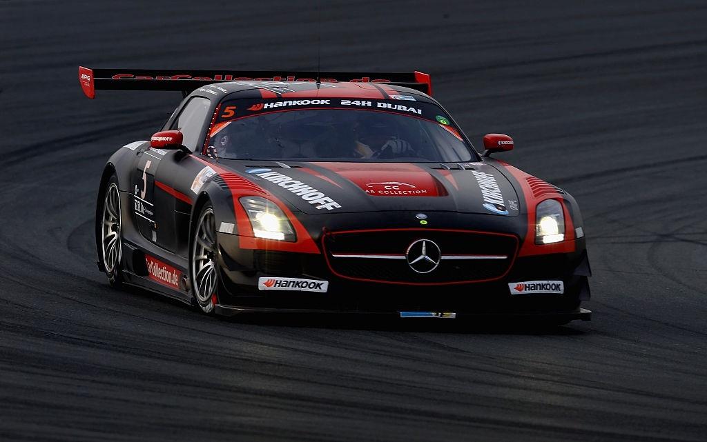 Ở Dubai, du khách cũng có thể trải nghiệm ngồi sau những chiếc xe đua từ Ferrari, McLaren hay Radical trên các cung đường mô phỏng Grand Pix hay FIA championships. Ảnh: Getty.