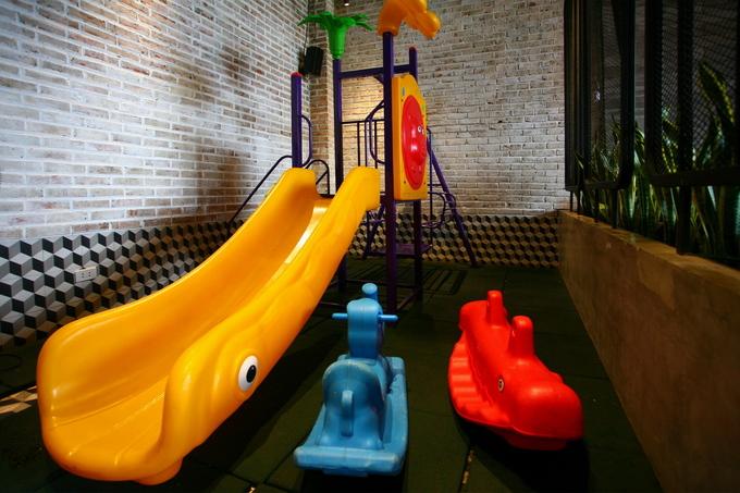 Trên tầng 3 có một góc cho trẻ em vui chơi.