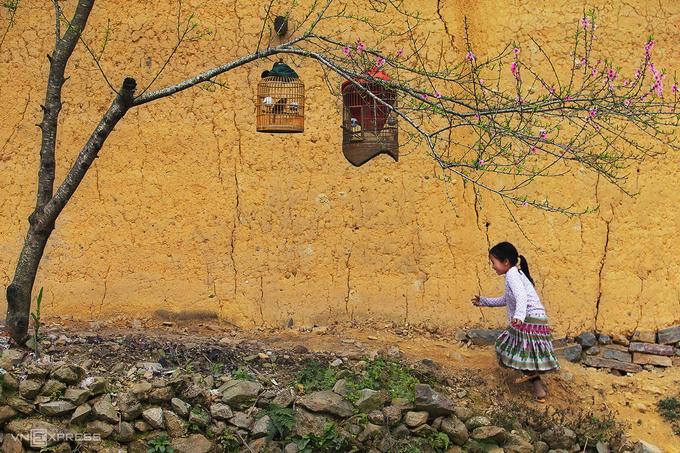 Một bé gái người H'Mong tại Sủng Là.