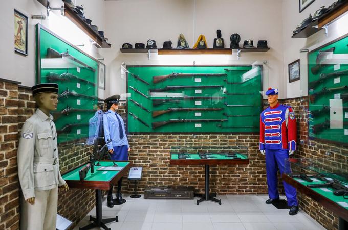 Một phần không gian của bảo tàng dành để trưng bày các vũ khí của thời hiện đại như trong Chiến tranh thế giới thứ 2, chiến tranh ở Triều Tiên, Việt Nam...