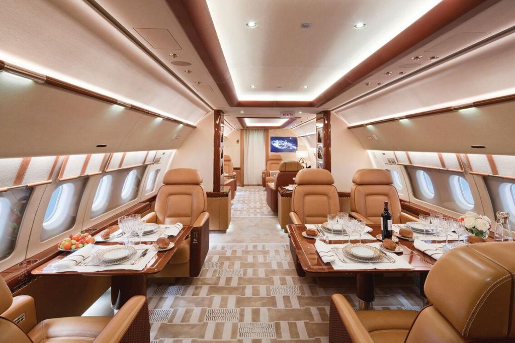 Bạn có thể sở hữu chiếc máy bay riêng để vui chơi cùng 16 bạn bè trên quãng đường hơn 9.000 km không ngừng. Vấn đề duy nhất là 110 triệu USD, số tiền phải chi để mua căn hộ sang trọng này.
