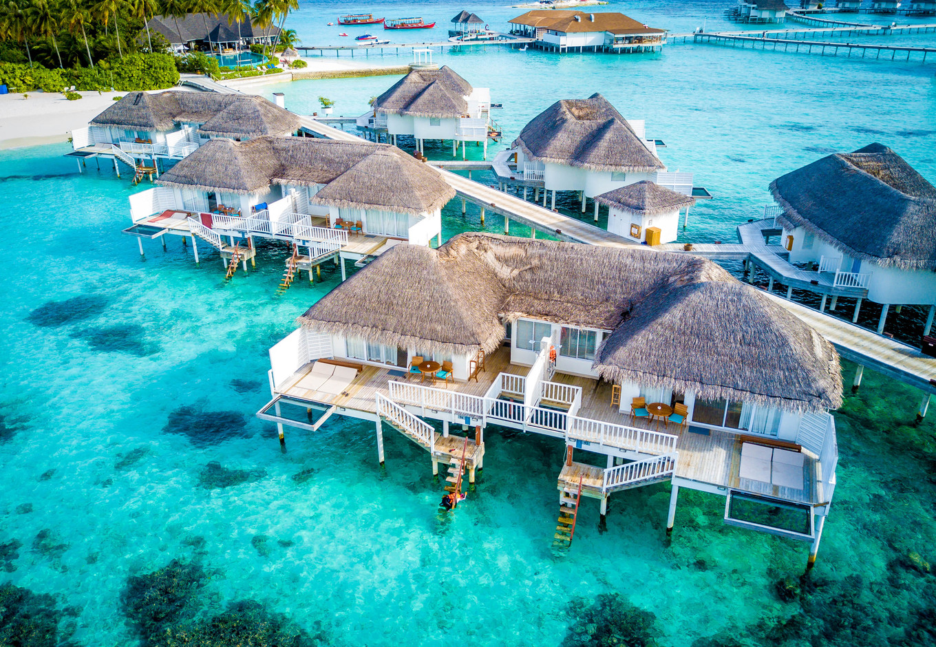 centara-grand-island-resort-spa-maldives-ivivu-7