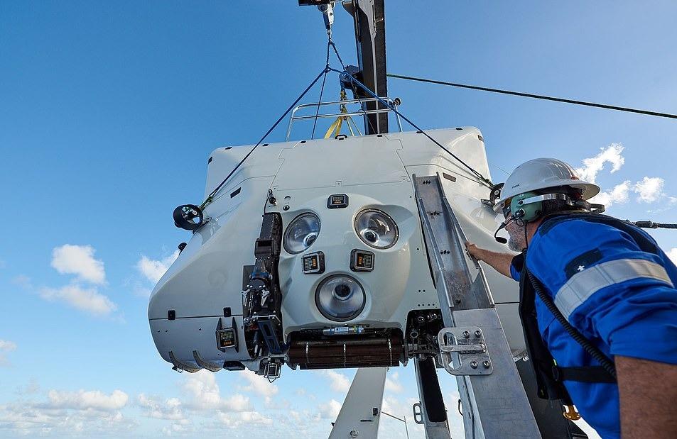 Limiting Factor đã được thử nghiệm áp lực dưới độ sâu 14.000 m và từng lặn xuống đáy rãnh Mariana 5 lần. Công ty thực hiện chuyến đi này cho biết đây là điểm đến độc quyền nhất hành tinh. Người tham gia sẽ không cần đào tạo trước khi khởi hành.