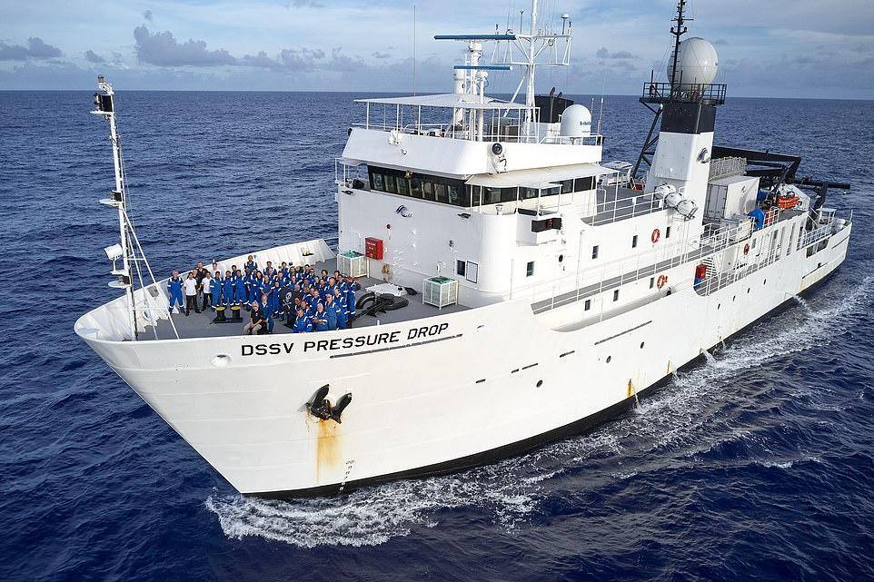 Tàu thám hiểm sẽ đưa khách từ đảo Guam (Mỹ) đến rãnh Mariana ở Tây Thái Bình Dương. Du khách khi xuống biển hoàn toàn được bảo vệ bởi quả cầu titan dày 90 mm và không gặp phải thay đổi nào từ tác động của áp lực.