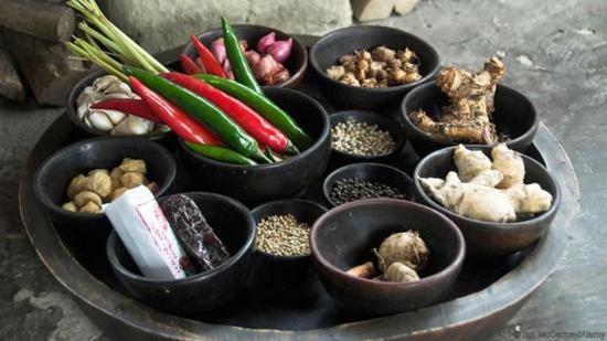 Hỗn hợp các loại gia vị này có mặt trong gần như mọi món ăn trên đảo Bali xinh đẹp. Ảnh: BBC/Ian McCarney/Alamy.