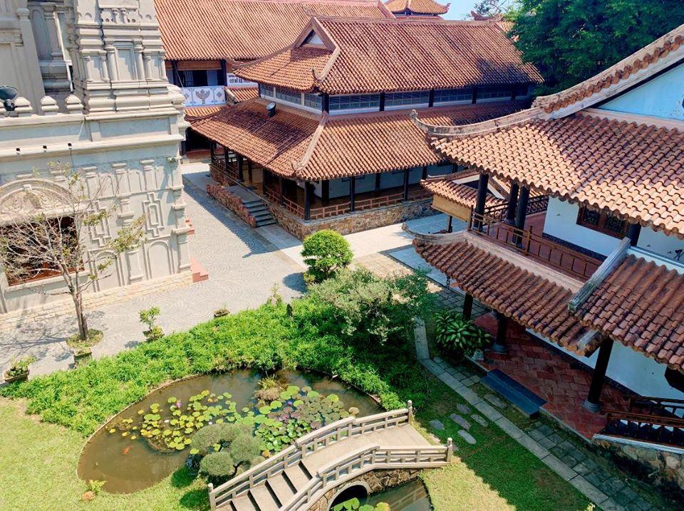 Chùa Huyền Không, ngôi chùa sở hữu kiến trúc tuyệt đẹp giữa lòng cố đô Huế – iVIVU.com
