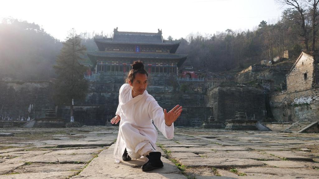 Trong các tác phẩm của nhà văn Kim Dung, đây là nơi đặt đại bản doanh phái Võ Đang. Trong đời thực, đây là núi thiêng của đạo Lão và cũng là cái nôi của Võ Đang phái. Ảnh: Wudangdao.