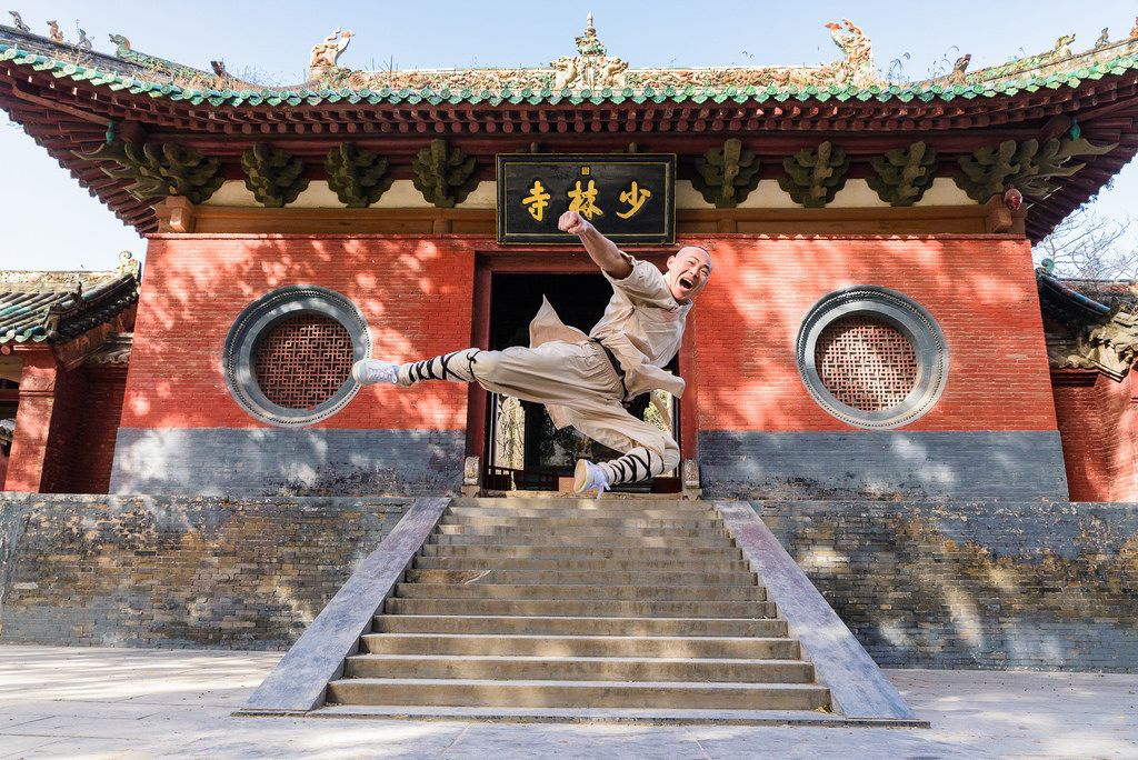 Đăng Phong, Hà Nam: Nằm ở Trịnh Châu, tỉnh Hà Nam, Đăng Phong được mệnh danh là vùng đất của kungfu với hơn 60 trường và học viện ở thành phố, đào tạo hơn 60.000 học sinh trong và ngoài nước. Đây cũng là nơi có đền Thiếu Lâm Tự nổi tiếng, cái nôi của võ Thiếu Lâm. Ảnh: Pinterest.