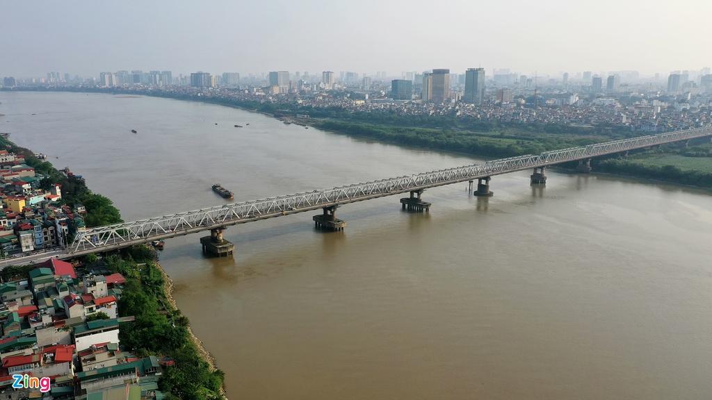 Công trình sở hữu chiều dài 1,1 km, mặt cắt rộng 55 m với 8 làn xe, tổng giá trị 882 tỷ đồng.