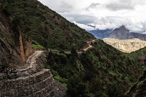 Tuyến đường ở Mustang đang được xây dựng nối liền Trung Quốc với Nepal