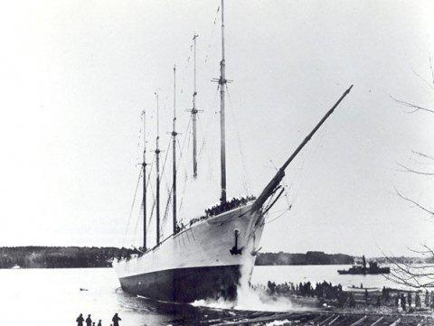 Caroll A. Deering được tìm thấy trống rỗng, thậm chí tàu không có thiết bị điều hướng: Sự biến mất của Carroll Deering đã thu hút sự chú ý trong nhiều thập kỷ. Con tàu được phát hiện mắc cạn ngoài khơi Bắc Carolina (Mỹ) vào năm 1921. Một nhóm điều tra từ Barbados phát hiện ra rằng toàn bộ thủy thủ đoàn, hệ thống định vị và tất cả đồ đạc cá nhân đã bị mất tích. Ảnh: National Park Foundation.