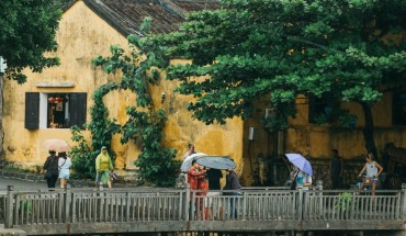 loi-giai-cho-nhung-buc-tuong-mang-mau-thoi-gian-o-hoi-an-ivivu-8