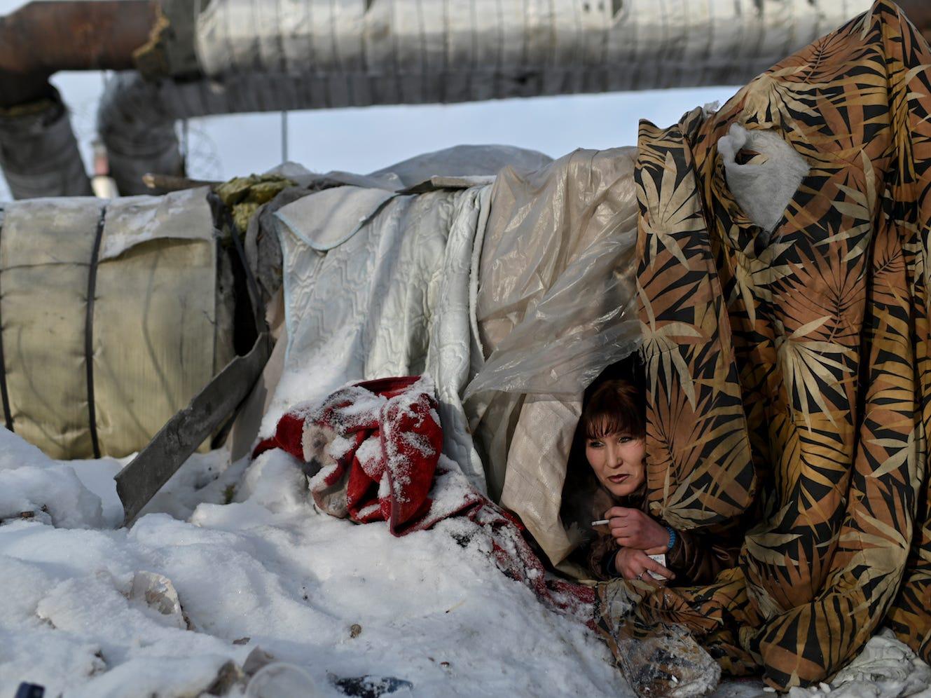 Mùa đông chật vật của người vô gia cư ở nơi lạnh nhất thế giới Siberia – iVIVU.com