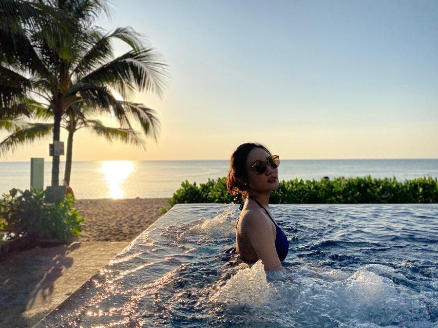 Tọa lạc tại bờ biển phía tây của huyện đảo Phú Quốc (Kiên Giang), Dusit Princess Moonrise là khu nghỉ dưỡng dành cho các du khách muốn tận hưởng không gian yên bình ven biển. Tại đây có hồ bơi vô cực view hướng biển, là góc thư giãn nổi bật của khu nghỉ dưỡng này. Ảnh: jessgi6.