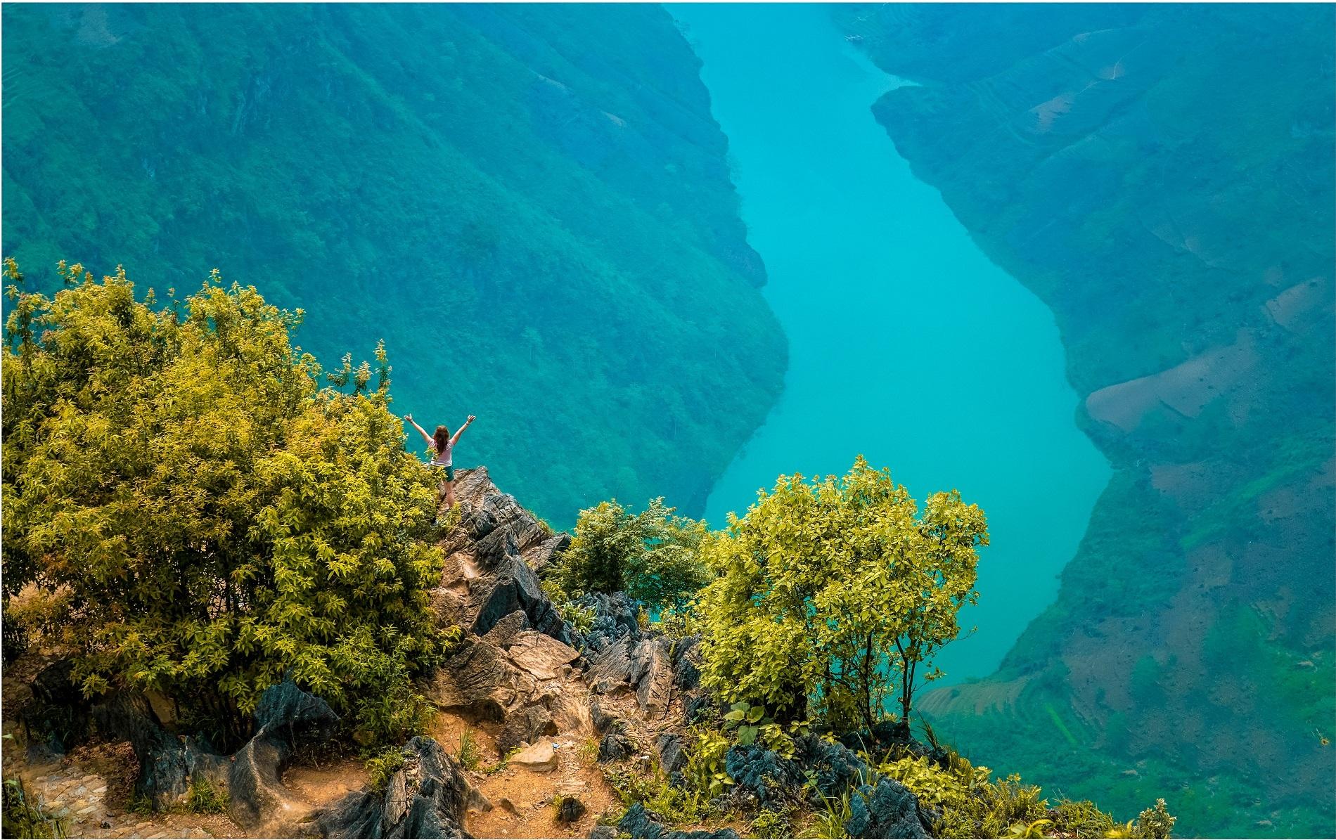 Sông Nho Quế nhìn từ trên cao. Ảnh: Chris Bui/Shutterstock.