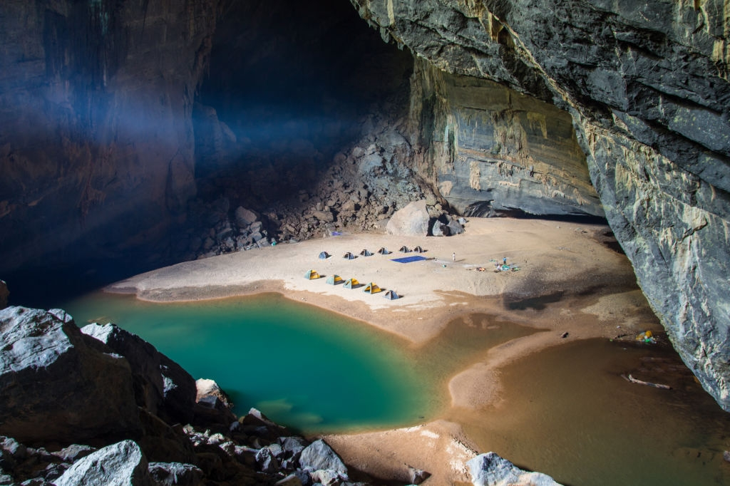 7 hang động đẹp ấn tượng ở Việt Nam – iVIVU.com