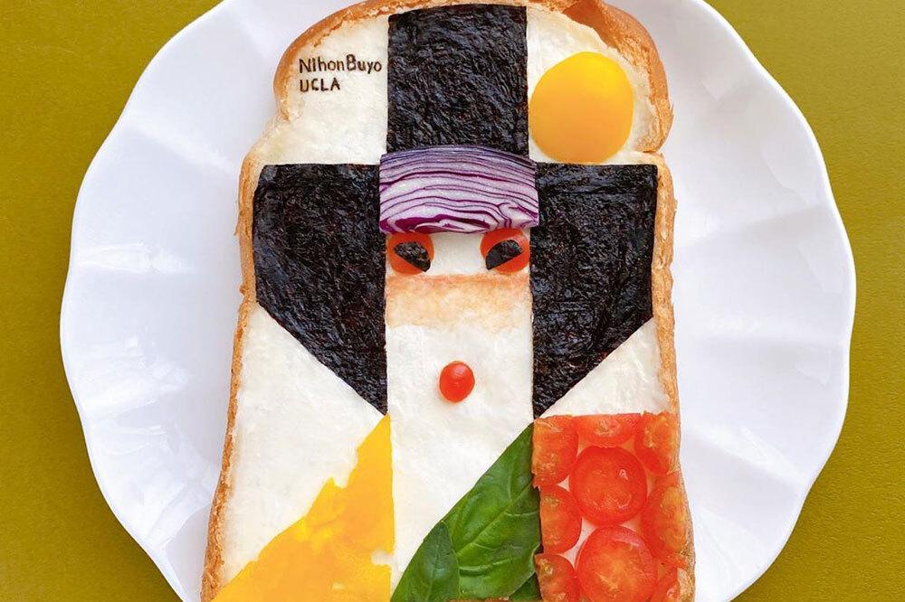 Lát bánh mì này được lấy cảm hứng từ những nghệ sĩ múa điệu Nihon Buyo truyền thống. Thời gian tạo ra một tác phẩm nghệ thuật phụ thuộc vào chủ đề và trung bình mất khoảng 3 giờ đồng hồ. Tác phẩm kì công nhất mất 6 giờ. Khi có nhiều công việc phải làm, nghệ sĩ này thường chọn một chủ đề đơn giản. Ảnh: Manami Sasaki.