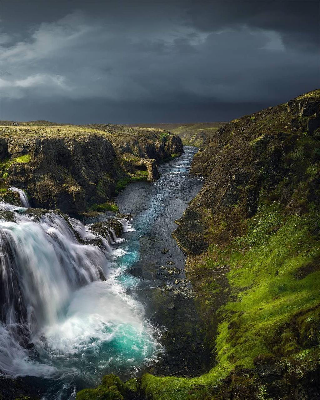 nhung-mien-dat-mau-xanh-o-Iceland-ivivu-13