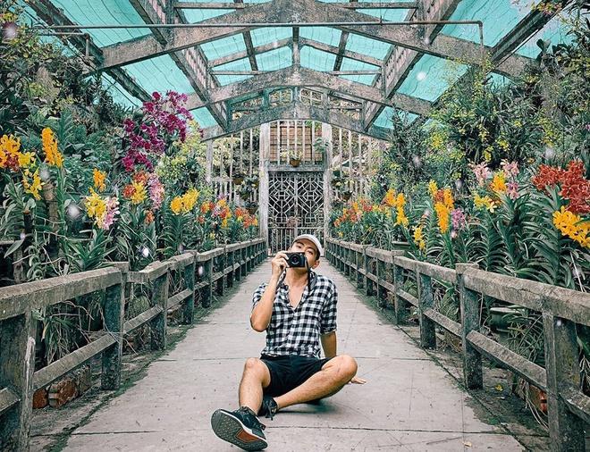Cùng với bưu điện TP. HCM, nhà thờ Đức Bà, chợ Bến Thành, Thảo Cầm Viên Sài Gòn là một trong những công trình lịch sử lâu đời, mang tính biểu tượng khi nhắc tới thành phố mang tên bác. Xây dựng từ năm 1864, nơi đây ban đầu được gọi là vườn Bách Thảo với sứ mệnh nghiên cứu, giáo dục và bảo tồn động thực vật. Ảnh: Bobby.keiti.