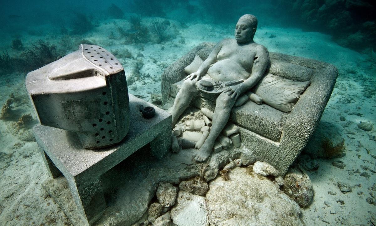Các bức tượng được làm từ xi măng chuyên dụng cho công trình dưới biển. Bề mặt của chúng có độ pH trung tính, tạo điều kiện cho san hô và các loài vật khác sinh sống, phát triển. Ảnh: Aquaworld.